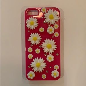 Accessories - IPhone 5 case pink with white daisies and gems